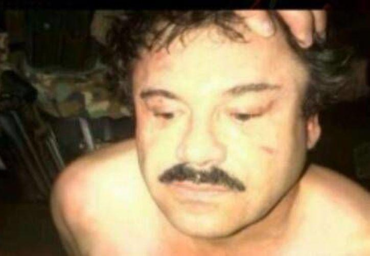 Este es el sujeto que fue detenido en un hotel de Mazatlán. Las autoridades aún no confirman ni desmienten si se trata de <i>El Chapo</i> Guzmán. (Captura de pantalla de Milenio)