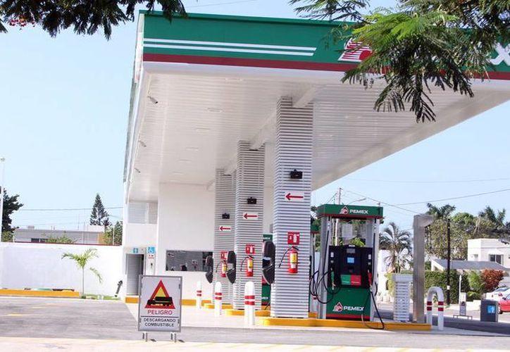 La gasolinera que es la 'manzana de la discordia' se encuentra en la avenida José Díaz Bolio con calle 14 de la colonia México. (Milenio Novedades)