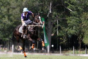 Galopan hacía la Copa del Rey de Polo