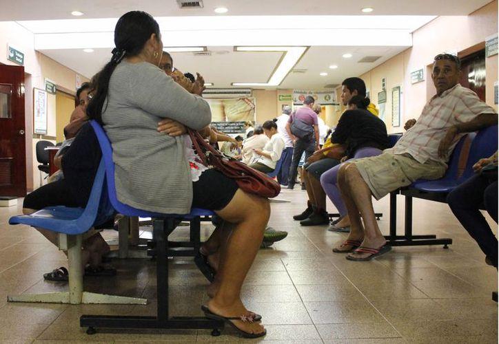 Atenderán a los pacientes en tres turnos con un especialista de cada área. (Yajahira Valtierra/SIPSE)