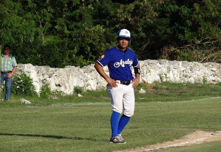 Oswaldo Morejón se instaló en el liderato de bateo de la temporada 2015-2016 de la Liga Meridana de Invierno de Beisbol. (Milenio Novedades)