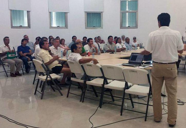Durante una reunión se dio a conocer que el objetivo es contribuir al mejoramiento de la imagen urbana de la zona. (Redacción/SIPSE)