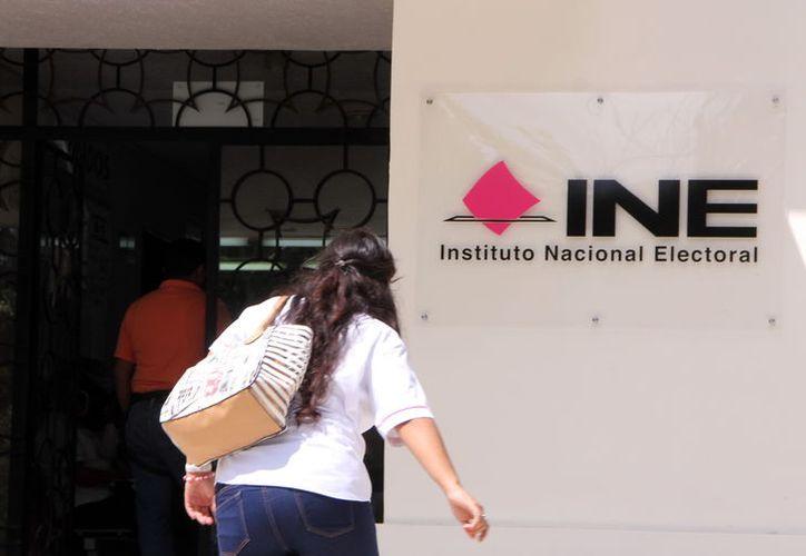 Los aspirantes a consejeros electorales, cuyo proceso de selección supervisa el INE, presentarán un examen de conocimientos. Ya pasaron el primer filtro: los requisitos. Son 107 aspirantes. (SIPSE/Archivo)