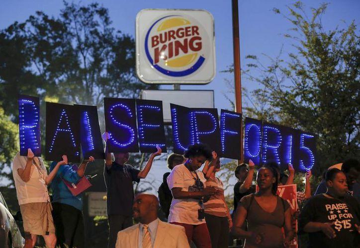 El aumento del salario provocó un enfrentamiento entre el presidente Obama y los republicanos. (EFE/Archivo)