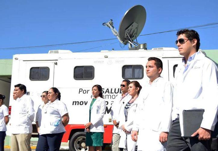 Las unidades móviles ofrecen chequeo y atención médica y odontológica, además de orientación a la salud. (Milenio Novedades)