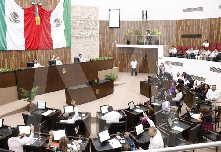Queda pendiente por dictaminar la iniciativa de reforma a la Ley que crea el Instituto de Seguridad Jurídica Patrimonial de Yucatán (Insejupy). (Foto Pepe Acosta)