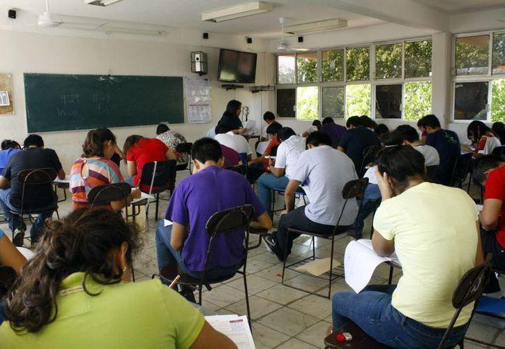 El pasado 1 y 2 de abril bachilleres presentaron la prueba Enlace en todo Yucatán. (Milenio Novedades)