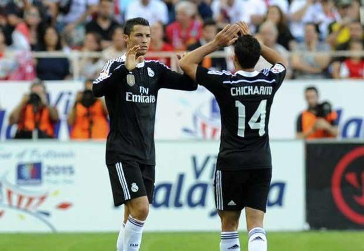 Javier Hernández y Cristiano Ronaldo jugaron juntos durante la Temporada 2014-2015 con el Real Madrid.(Foto tomada de Futbol Total)
