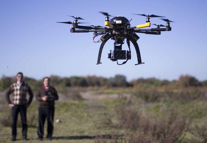 El 'narcomenudeo' con equipo tecnológico se abre paso entre grupos delictivos. (Foto El País)
