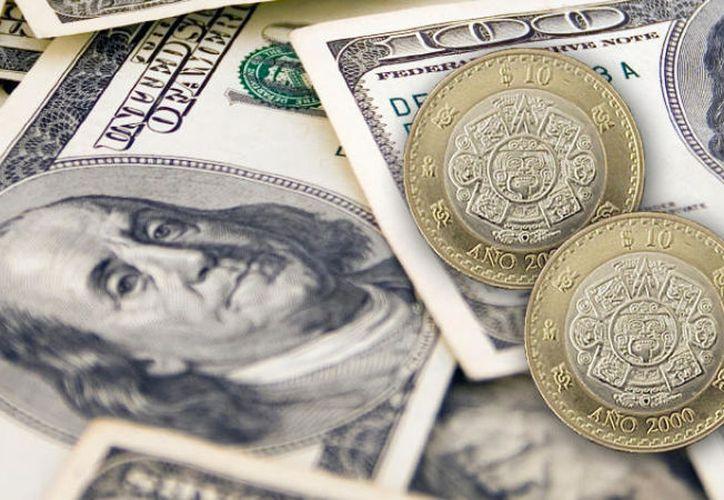 El dólar cerró la semana con un ligero descenso en su cotización. (Expansión)