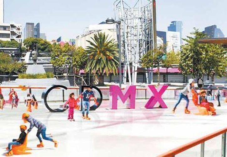 El Gobierno de Ciudad de México instalará en la Glorieta de Insurgentes una pista de hielo. (Adolfo Vladimir/Cuartoscuro).
