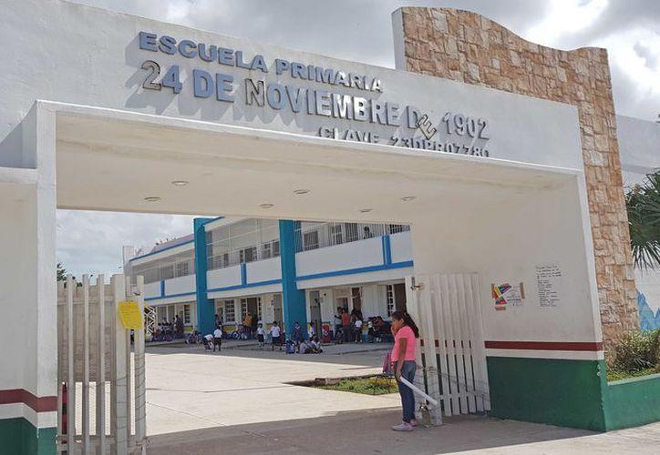 En el caso de los maestros, el pago pendiente oscila entre los tres mil 500 pesos, y cuatro mil 500 pesos. (Jesús Tijerina/SIPSE)
