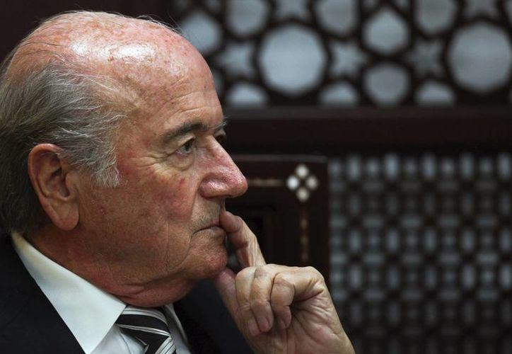 En su cuenta de Twitter, Joseph Blatter recordó a los fallecidos en la final de la Copa de Europa del 29 de mayo de 1985 que se realizó en Bélgica. (EFE/Archivo)