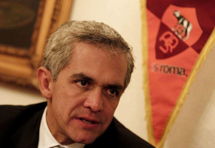 Miguel Angel Mancera salió al paso de las preguntas incisivas de Fernando del Collado. (Archivo/Notimex)