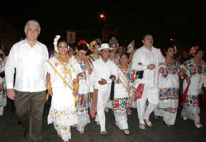 La celebración inició la víspera con la tradicional alborada y el paseo de las mestizas por las principales calles de Valladolid. (Cortesía)