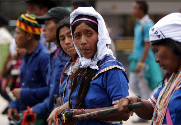 Una autoridad del pueblo Huitoto expresó su molestia por que el Gobierno y las FARC negocien en La Habana y no ante la ciudadanía. (EFE/Archivo)