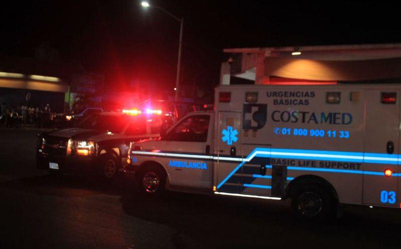 Rafaguean bar en Playa del Carmen, hay siete muertos