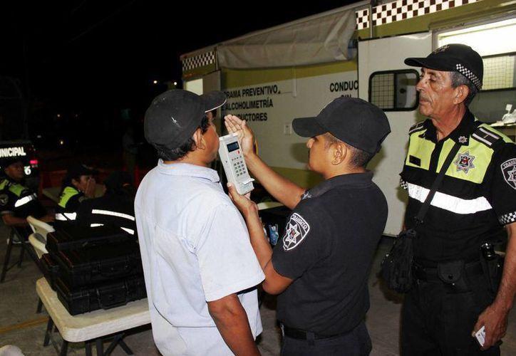 Durante el operativo se entrevistaron a 720 personas y se aplicaron 57 pruebas. (Redacción/SIPSE)