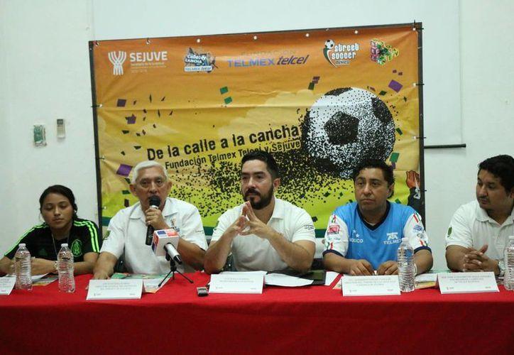 La fase municipal del torneo 'De la calle a la cancha' se realiza en seis poblaciones de Yucatán, y el evento estatal se desarrollará el 1 y 2 de abril en Mérida. (José Acosta/SIPSE)