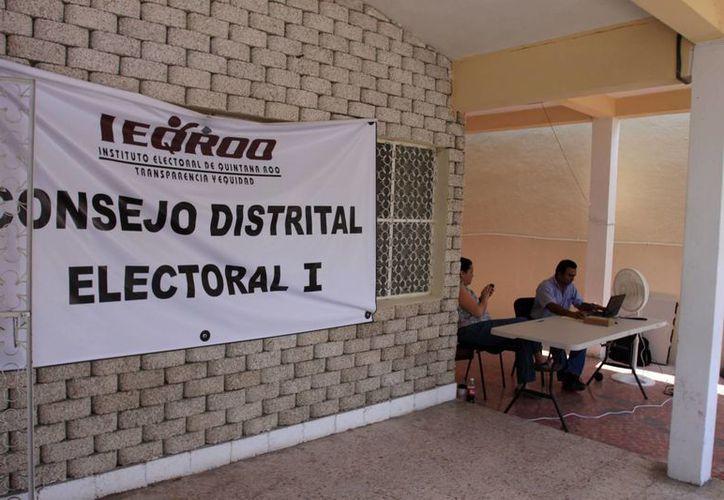 El Ieqroo ha instalado módulos de recepción del respaldo ciudadano en los distritos electorales. (Redacción/SIPSE)
