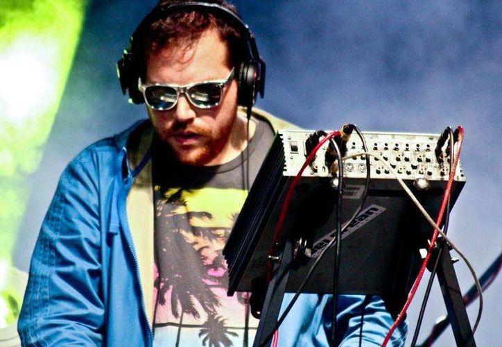 Disco Cliché ofrecerá rock electrónico durante el Festival Electro Kiss en la Feria Yucatán Xmatkuil 2014. (Milenio Novedades)