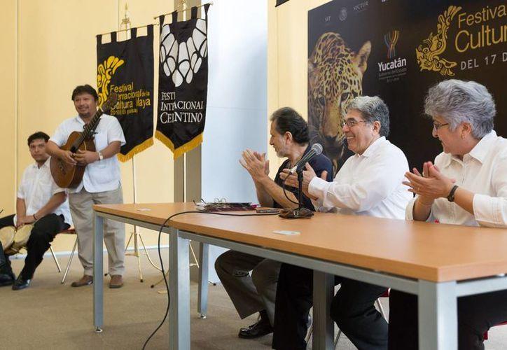 Rueda de prensa para informar sobre el FICMaya 2013. (SIPSE)