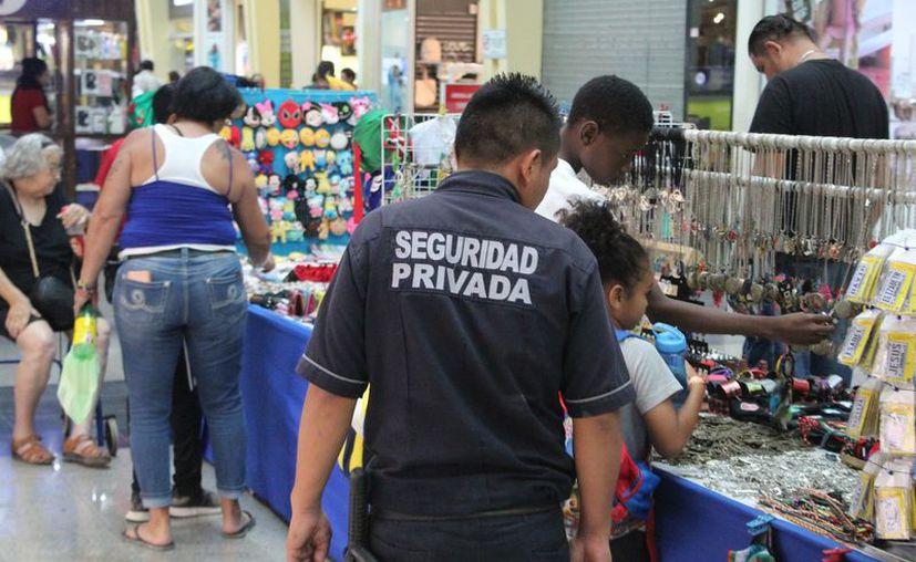 Solo tres de cada 10 profesionistas del sur de Quintana Roo laboran en sus áreas de competencia. (Alejandra Carrión/SIPSE)