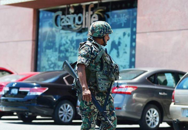 La seguridad imperó durante el operativo fiscal en las casas de apuestas de Mérida. (Milenio Novedades)
