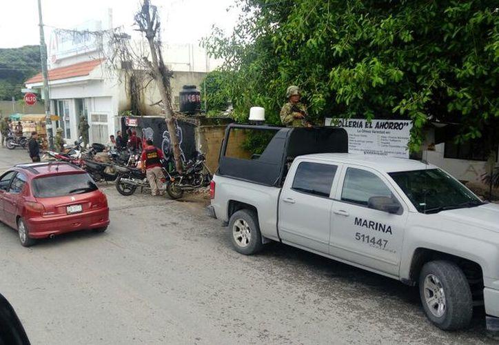 Realizan operativos en talleres para localizar motocicletas con reporte de robo. (Eric Galindo/SIPSE)