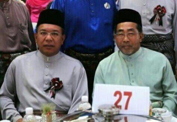 Datuk Azlin Alias, jefe de gabinete de Razak, y Jamaluddin Jarjis, ex embajador en Washington, dos de las víctimas de la aeronave. (Imagen: www.themalaysianinsider.com)