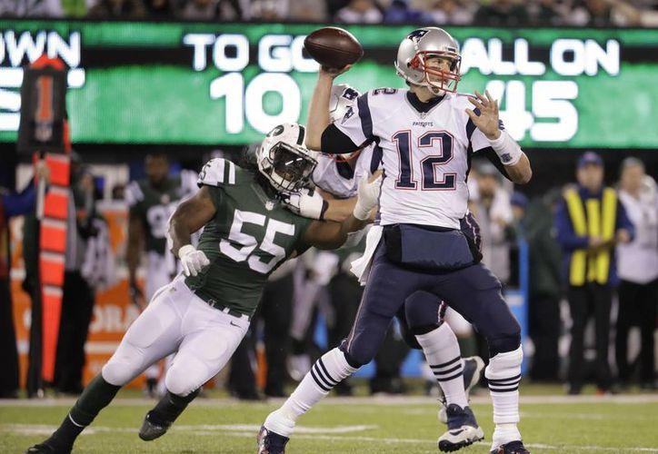 Tom Brady en la victoria sobre los Jets en el MetLife Stadium. (AP Photo/Julio Cortez)