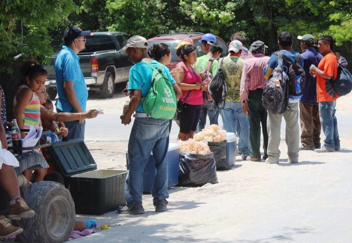Los encargados del comedor argumentaron que los alarifes se intoxicaron por comprar comida en la vía pública. (Octavio Martínez/SIPSE)