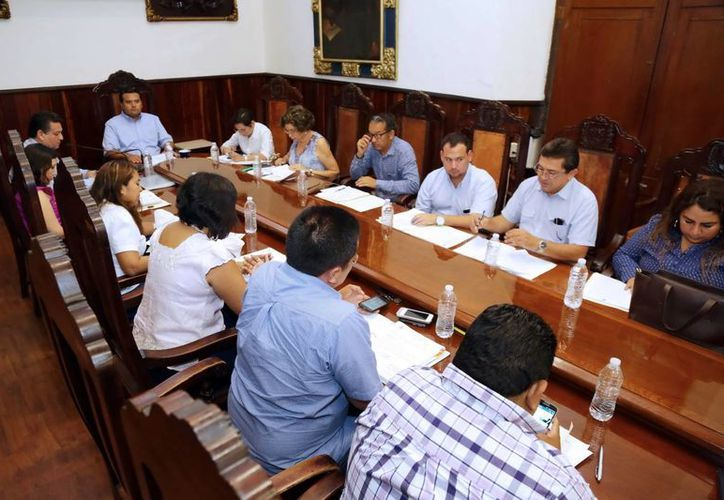 Imagen de la sesión extraordinaria de Cabildo para aprobar el Reglamento de la Entrega-Recepción de la Administración Pública del Municipio de Mérida. (Milenio Novedades)