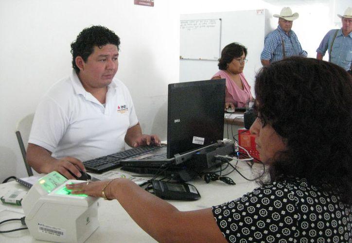 Los módulos de atención estarán en Bacalar los días 23 de noviembre y 1, 6, 7 y 22 de diciembre. (Javier Ortiz/SIPSE)