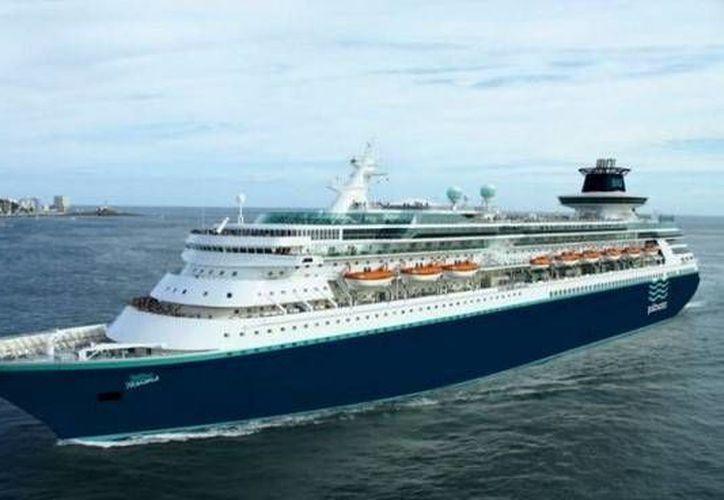 Tras una ausencia de más tres años, regresa a Progreso la naviera Pullmantur, que ahora trae el crucero Monarch (foto) para cubrir la Costa Maya (Progreso-Roatán-Belice-Cozumel). (SIPSE)