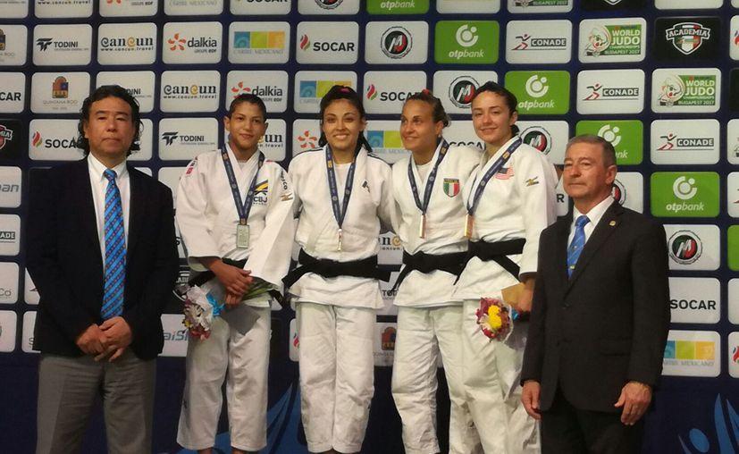 Nabor Castillo se adjudicó medalla de bronce, supera al israelí Shimailov en la división de 66 kilos. (Foto: Raúl Caballero/SIPSE)