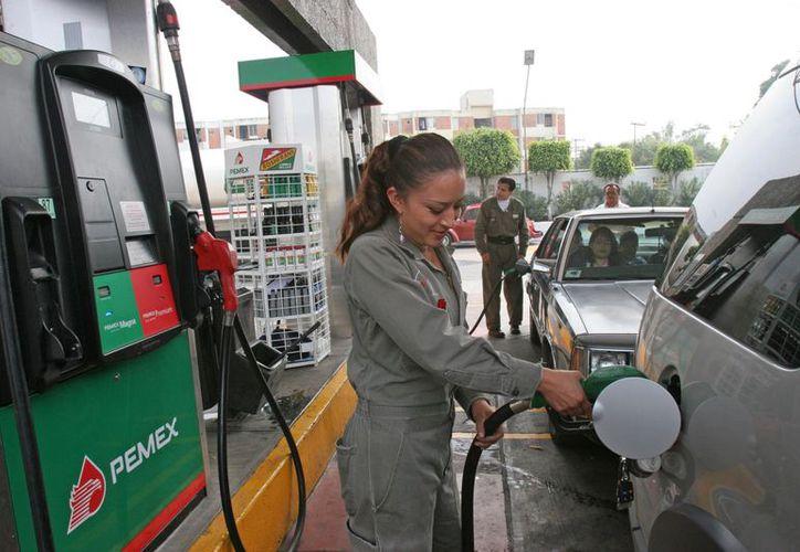 En México el consumo per cápita de gasolina es mayor que en Italia, España, Alemania y Francia. (serveracruz.com)