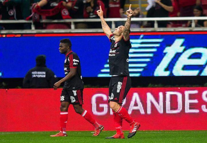 Los Xolos se metieron al estadio de Chivas y consiguieron una valiosa victoria con gol de Milton Caraglio. (Xolos de Tijuana)