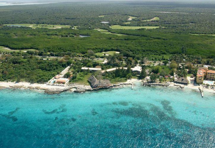 El hotel se localizaría en el kilómetro 4.8 de la carretera costera norte. (Redacción/SIPSE)