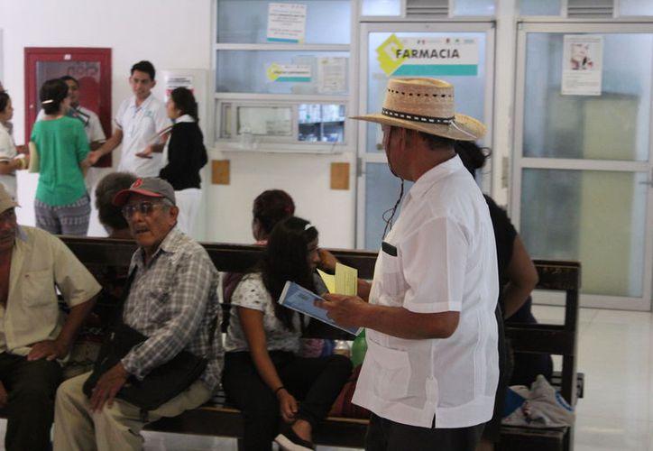 Las personas más afectadas por la enfermedad son los adultos de 25 a 44 años. (Joel  Zamora/SIPSE)