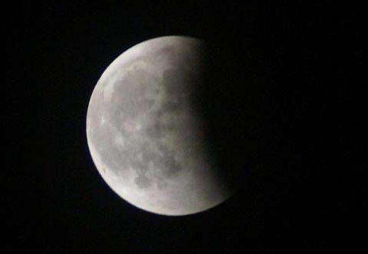 Al tratarse de un eclipse lunar el fenómeno no perjudicará de ninguna manera la salud o la vista de los seres humanos. (Contexto/Internet)