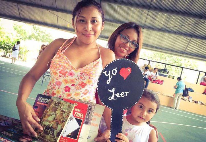 """El evento pondrá a circular acervos donados por lectores cancunenses que, literalmente, """"liberan sus libros del estante"""". (Redacción/SIPSE)"""
