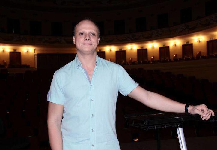 El compositor búlgaro Grigor Palikarov (foto) dirigirá esta noche a la Orquesta Sinfónica de Yucatán en el programa número ocho de la temporada.(Jorge Acosta/Milenio Novedades)