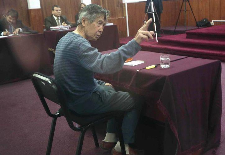Congresistas afirman que Fujimori debe ser cambiado de prisión. (EFE)