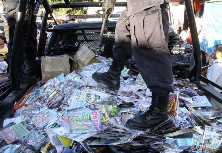 Frecuentemente se realizan operativos contra la mercancía apócrifa. La imagen es de un decomiso en la ciudad de Oaxaca, el pasado 11 de enero. (Archivo/Notimex)