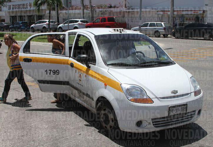 El titular de la Sintra debería aplicar la ley a los sindicatos de taxis. (Joel Zamora/SIPSE)