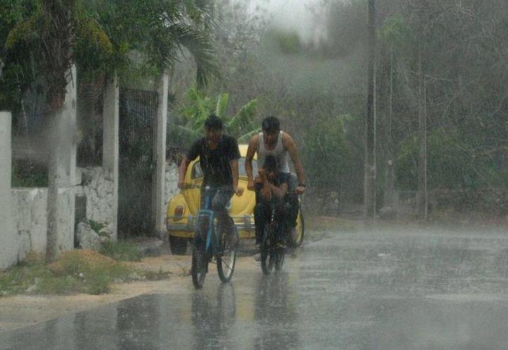 Pese a que ayer por fin llovió en Yucatán la temperatura máxima fue de 42.3 grados. (SIPSE)