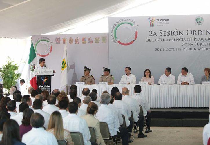 Este viernes, en el Museo del Mundo Maya, se realizó el acto protocolario de la Segunda Sesión Ordinaria de Fiscales. (Milenio Novedades)
