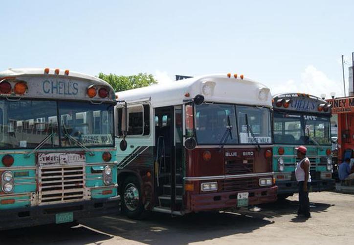Los transportistas tuvieron desacuerdos con las autoridades mexicanas. (Joel Zamora/SIPSE)