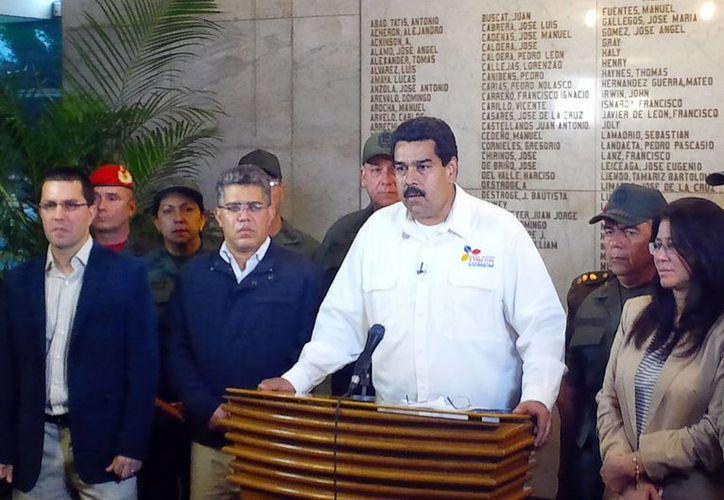 El vicepresidente venezolano Nicolás Maduro anuncia la muerte del presidente Hugo Chávez en Caracas, Venezuela. (Agencias)